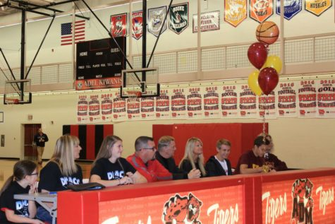ADM Seniors Sign Letters of Intent