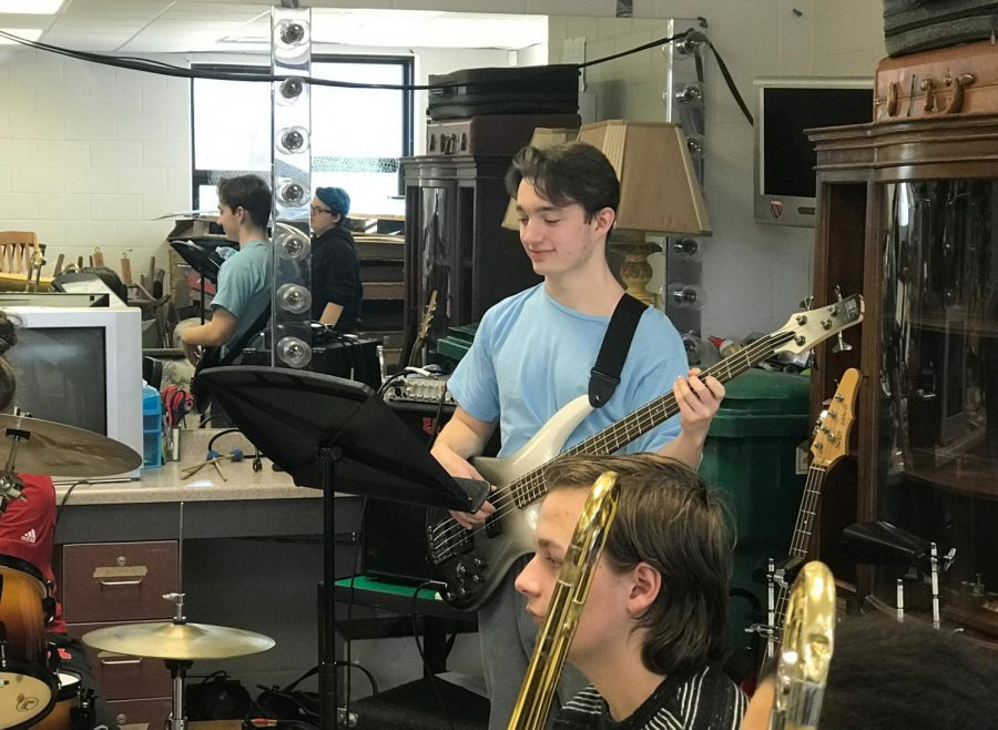 Rocking+on+the+bass%2C+Cash+Riker+performs+with+the+Jazz+Band.