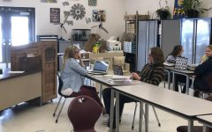 Mrs. Gettler working with student Broderick Schmidt, during FFA powerhour.