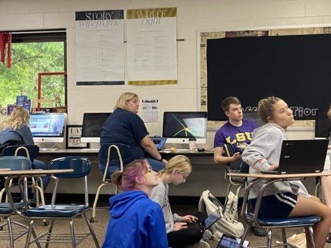 ADM News students, last day of the 2020-2021 school year. Picture: Paige Jansen, Sean Whitson, Callie Hazel, Lauren Brady, Brookelyn Evans, Christine Aukes.